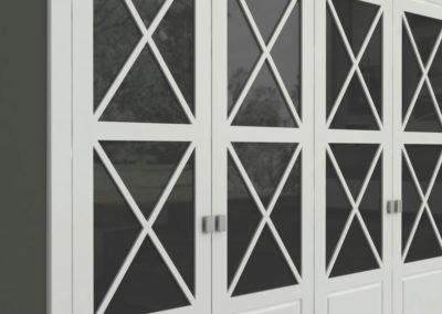 AV1 - Armario a medida de puertas batientes plafonadas y con detalle en aspa y cristal central, acabado en madera, tiradores a elegir, gran variedad de acabado de color en madera y cristales.