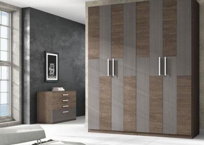 AV10- Armario de puertas batientes combinadas en dos tonos, posibilidad de otras medidas, diferentes acabados de color, a juego con dormitorio.
