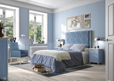 DR11 Dormitorio en madera tintado en azul, con cabezal tapizado, mesillas y sinfonier a juego, posibilidad de diferentes medidas de cabezal.