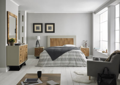 DR5 Dormitorio en madera bicolor, original modelo de patas, posibilidad de diferentes medidas de cabezal, posibilidad de armario a juego.
