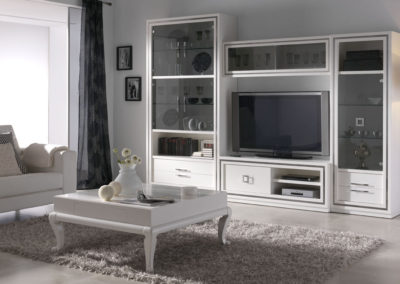 SC12 Salón modular apilable lacado en blanco con vitrinas, posibilidad de diferentes medidas y acabados.