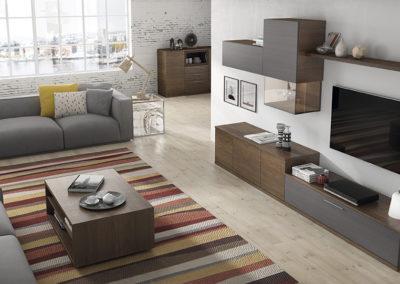 SM6 Salón modular línea recta en chapa color tabaco combinado con frentes en gris pizarra, con comedor a juego, posibilidad de diferentes medidas y acabados.
